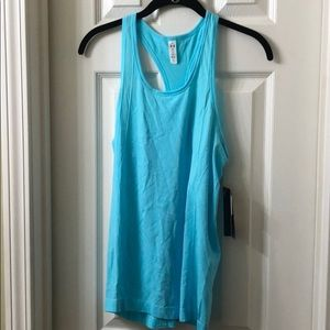 NWT Under Armour Women's Tank Small